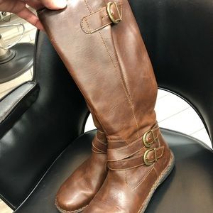 Beautiful leather tall boots!